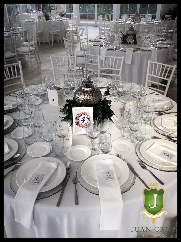 Villa Luisa mesa decorada